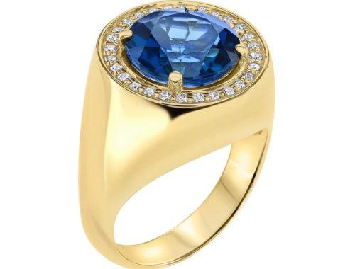 Ringh med blå stein og diamanter, tatt i profil